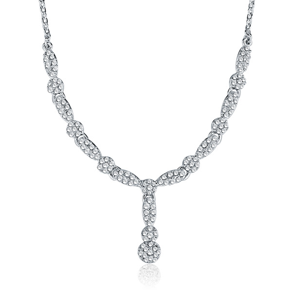 ea15376a9d7b7b Deluxe Necklace Set Embellished with Crystals from Swarovski